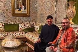 صاحب الجلالة يزور محمد بن زايد بمقر إقامته بالمغرب